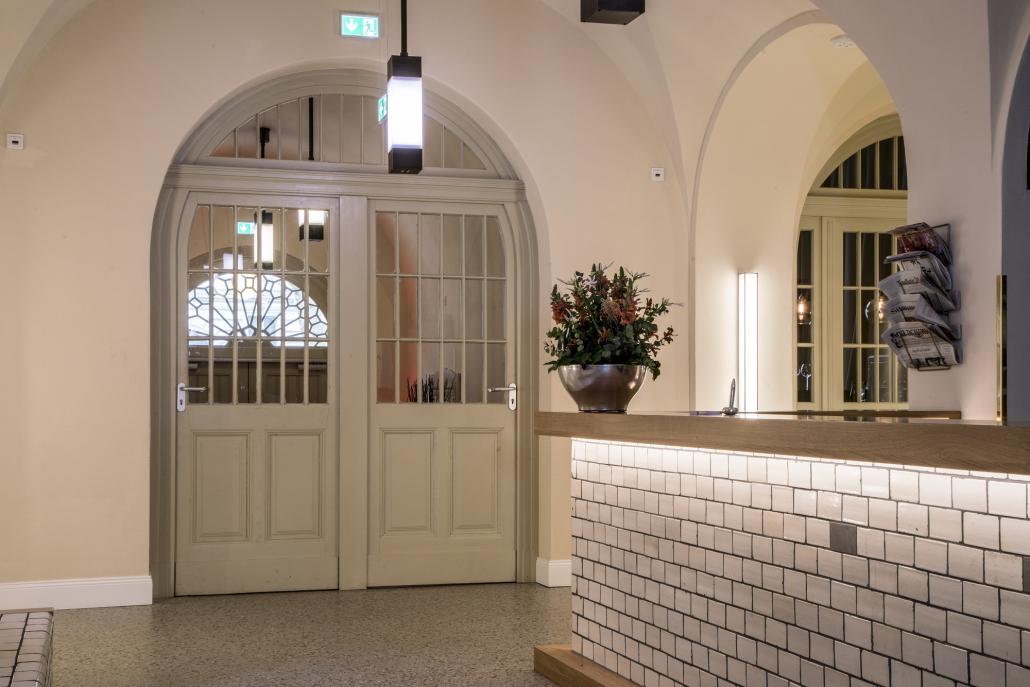 Leuchte Rezeption Oderberger Stadtbad